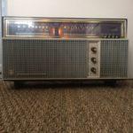 Ancien poste radio Schneider Tarentelle