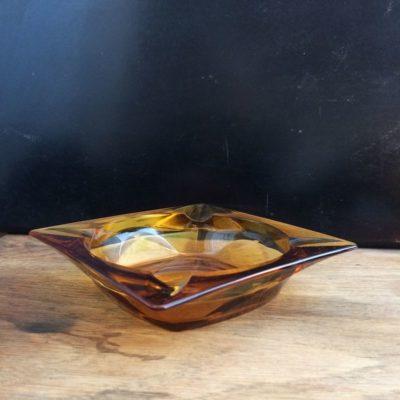 Ancien cendrier en verre ambré