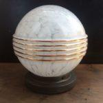 Plafonnier globe Art Déco