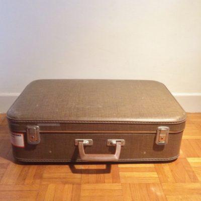 Grande valise en carton retro vintage
