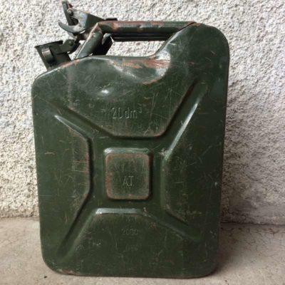Jerrican essence vintage
