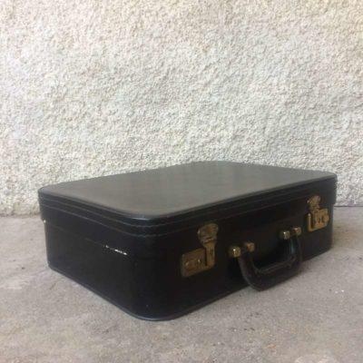 valise noir intérieur satin rouge