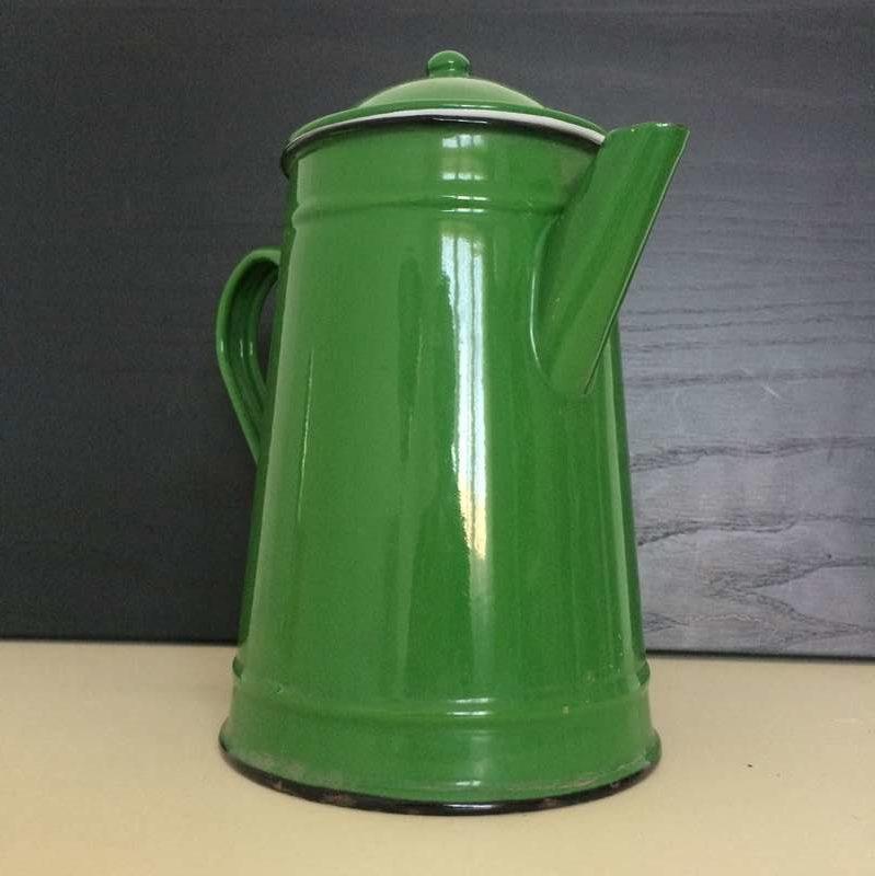 Ancienne cafetière émaillée vert vintage