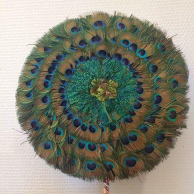 Eventail vintage plumes de paon