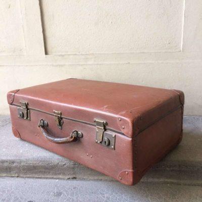 valise vintage marron en fibres vulcanisées