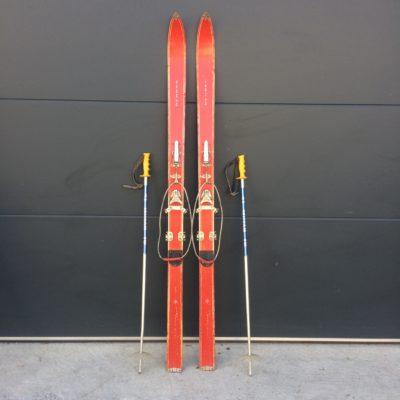Ancien Ski Schuss La Hutte
