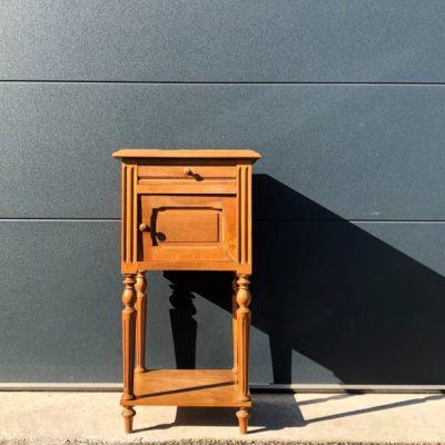 table de nuit en bois pot de chambre