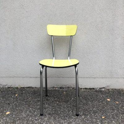 chaise jaune en formica