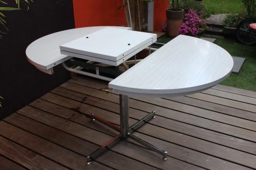 table formica en version ronde ou ovale vintage by fabichka. Black Bedroom Furniture Sets. Home Design Ideas